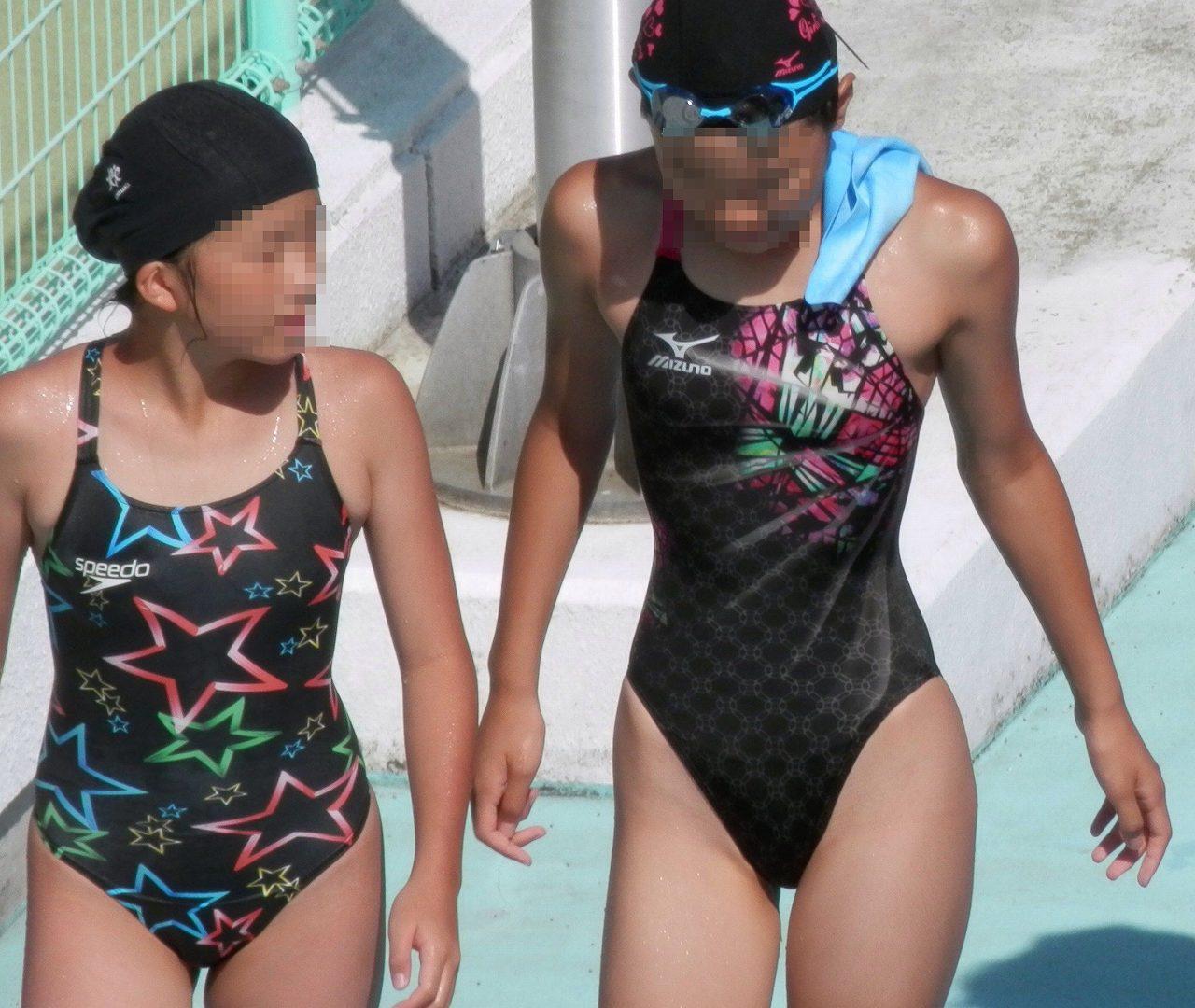 プールサイドを歩く競泳ミズ着を着た水泳部の女子の太ももや股間wwwwww 44枚