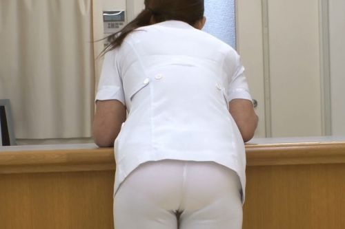 パンティラインが浮き出ちゃう看護師さんのお尻を盗撮したエロ画像 31枚 No.19