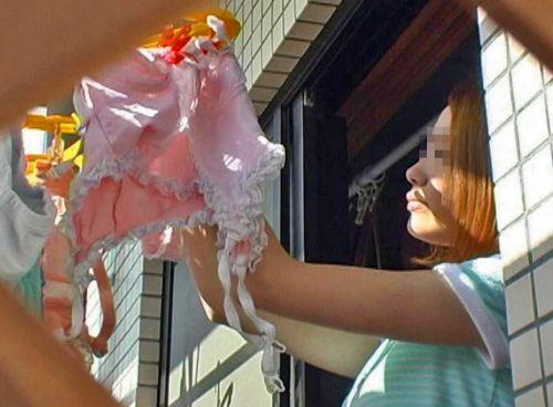 干した洗濯物マニア必見!パンティやブラジャーの盗撮エロ画像 35枚 No.29