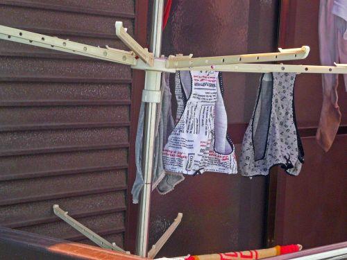 干した洗濯物マニア必見!パンティやブラジャーの盗撮エロ画像 35枚 No.34