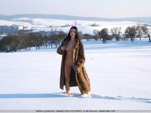 【野外露出】全裸外国人が雪の中で楽しそうたわむれる姿でアナ雪思い出したwww 29枚 No.6