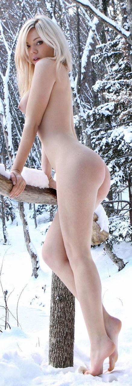 【野外露出】全裸外国人が雪の中で楽しそうたわむれる姿でアナ雪思い出したwww 29枚 No.8