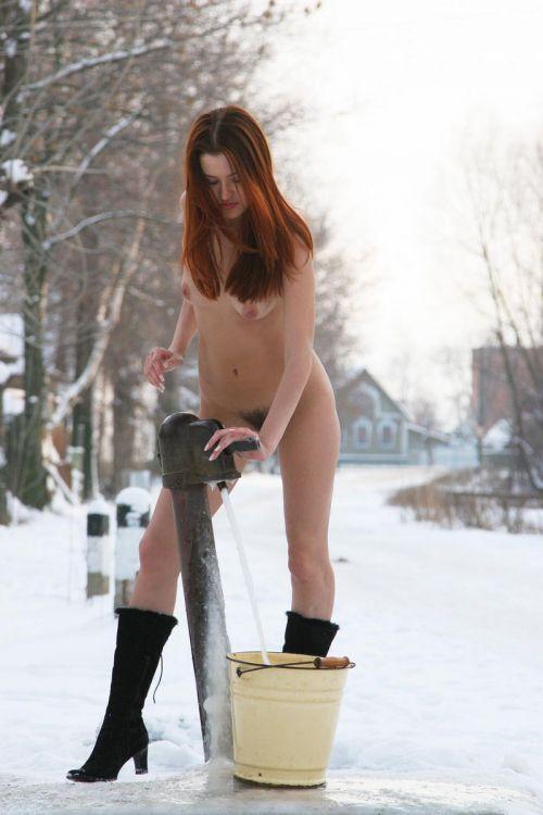 【野外露出】全裸外国人が雪の中で楽しそうたわむれる姿でアナ雪思い出したwww 29枚 No.15