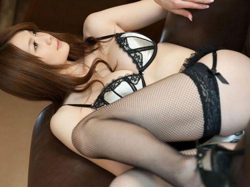 美女に高級黒ガーターベルトが太ももとお尻に食い込むエロ画像 31枚 No.1