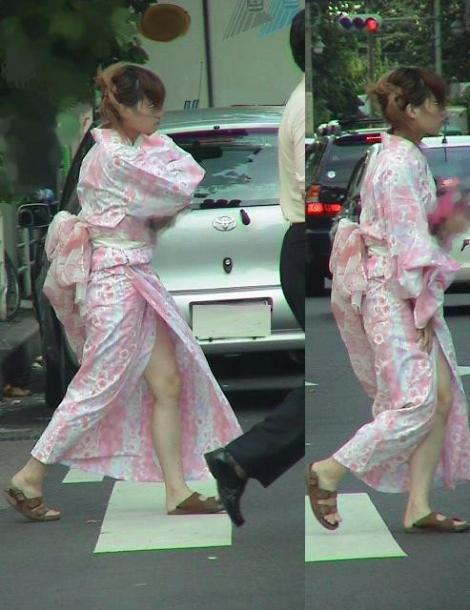 【画像】浴衣の上からパンティが透けたまま普通に歩くギャル達www 39枚 No.2