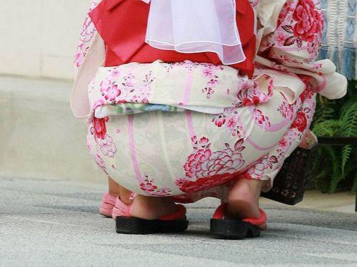 【画像】浴衣の上からパンティが透けたまま普通に歩くギャル達www 39枚 No.20