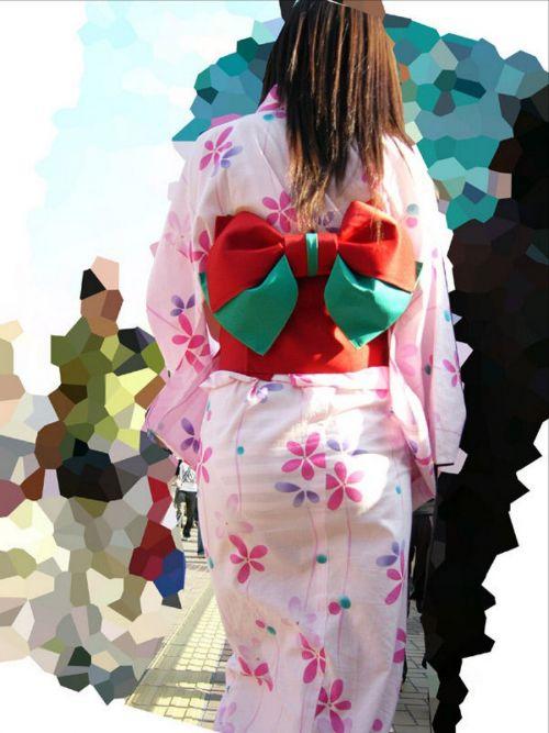 【画像】浴衣の上からパンティが透けたまま普通に歩くギャル達www 39枚 No.34