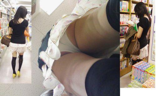ニーハイを履いたミニスカ女性のパンチラを逆さ撮り盗撮したエロ画像 34枚 No.7