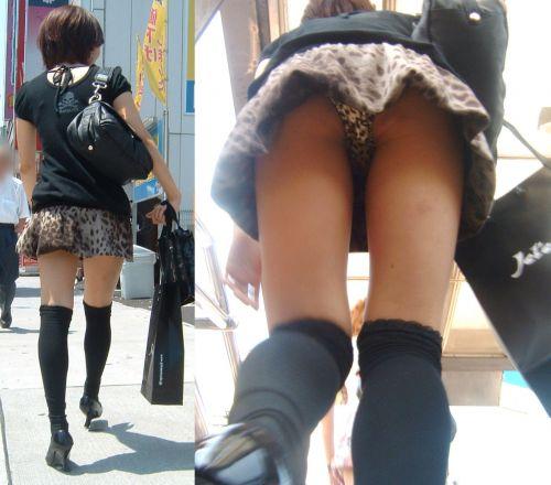ニーハイを履いたミニスカ女性のパンチラを逆さ撮り盗撮したエロ画像 34枚 No.22