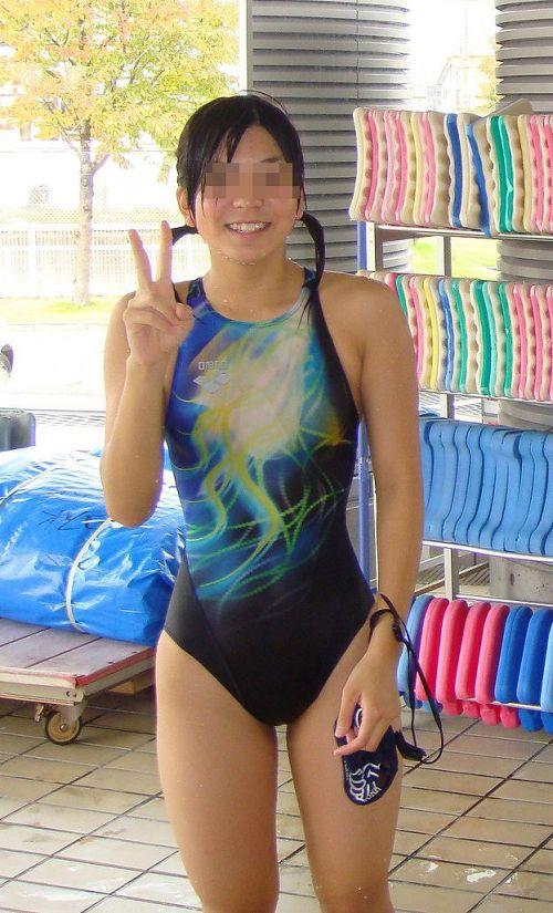 みんなで競泳水着のお尻や股間晒して記念撮影しちゃう水泳部のエロ画像 38枚 No.36