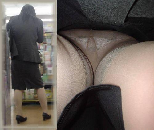 OLさんのタイトスカートの狭い隙間から逆さ撮りしたエロ画像 37枚 No.32