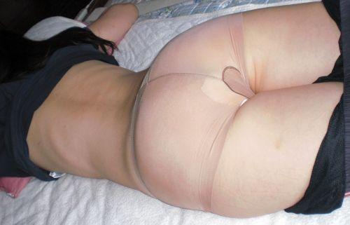 【画像】生理用ナプキン付けてお尻を見せるセックスを断る新スタイルwww 31枚 No.28