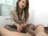 エロスキル抜群の美人上司OLがスーツ着衣のまま黒パンスト足コキ責めCFNM動画 Sumire