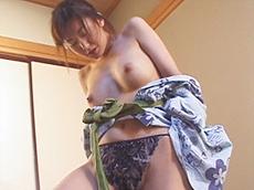 【無修正】三十路妻のヌルヌル温泉旅行 結城マリア