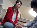 ダイスキ!人妻熟女動画 : 五十路美熟女がおとなしい童貞くん宅を訪問し、優しく筆おろし! 安野由美