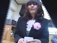 エロ動画アンテナ:育児に疲れ気味なセレブ妻が出張オイルマッサージで全身に勃起チ◯コを押し当てられムラムラと欲情