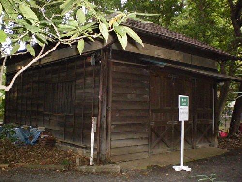 ICU泰山荘・車庫