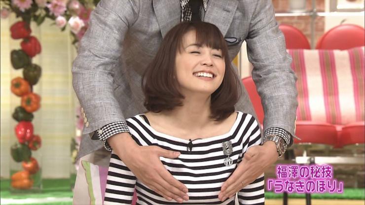 小林麻耶がおっぱい揉まれたりパ  ンツ丸見えだったりお宝まとめ「スカパーかよwww」