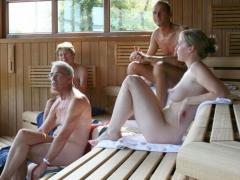 【エロ画像】フィンランドのサウナって混浴だし今すぐにでも大大乱交SEXが始まりそうなんだがwwwwwwwwwwww