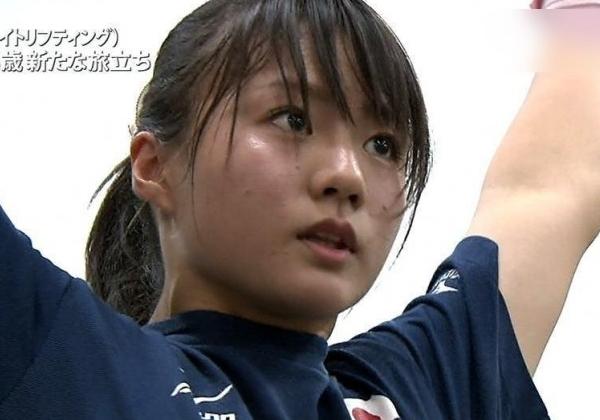 【エロ画像】オリンピックモデル女子重量挙げ「八木かなえ」のパイオツかカイデーで胸チラ&乳首ぬーどを期待してまう。