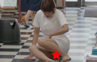 【エロ画像】久松郁実。ナアスでサービスパンチラをかまして俺氏勃起した件