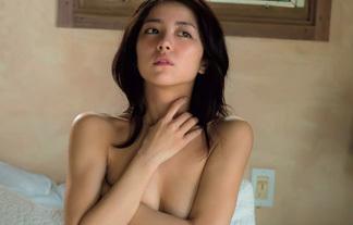 【エロ画像】ビリGALの石川恋が「お乳丸出しぬーど」で勝負してきた件