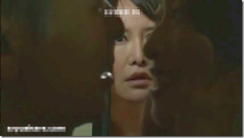 娘が起きてるのに音を立てながら互いの性器を啜り合う、昭和ロマンな夜の夫婦生活動画06