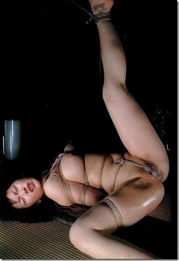 【緊縛股縄画像40枚】おまえの股に食い込む縄になりたい!39