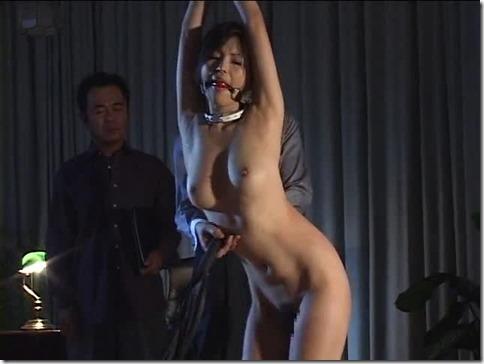 【SMエロ画像】羞恥と縛りで昭和ロマンな夫婦生活17
