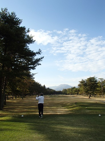2016 11 8 ゴルフ 師匠のフィニッシュ ブログ用.jpg