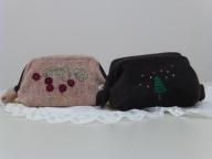 刺繍ワイヤーポーチ