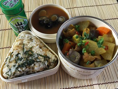 オリーブオイル教祖様流カレー風味のもつ煮込み弁当01