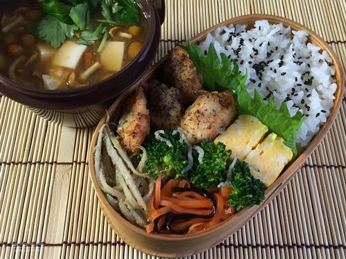 鶏ささ身の梅酢ゆかり揚げ弁当01