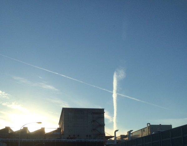 愛知県名古屋で竜巻型の地震雲が出現!九州地方でもいわし雲やうろこ雲が現れ、話題に