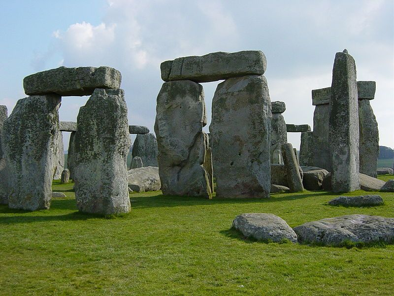 ストーンヘンジは中古品だった?採石場所と時期を特定…400年のズレが生じる
