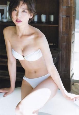 篠田麻里子019