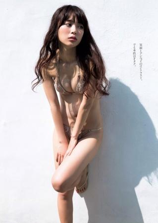 内田理央004