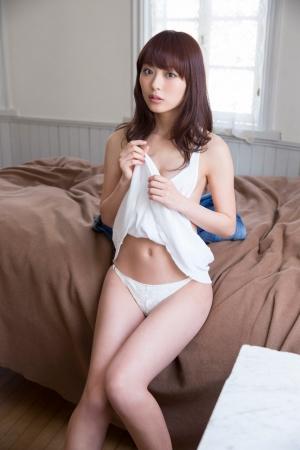 内田理央009