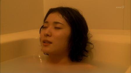 松岡茉優010