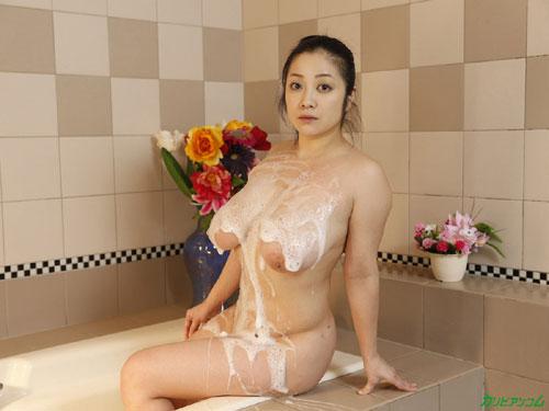 小向美奈子のスライム乳泡姫物語1