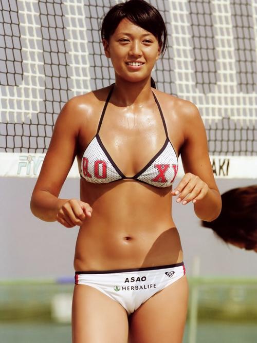 浅尾美和のビーチバレー時代のマンスジ水着画像www