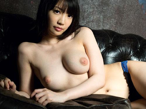 鈴木心春Fカップ美巨乳おっぱい