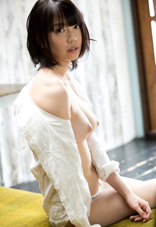 鈴木心春Fカップ美巨乳おっぱい25