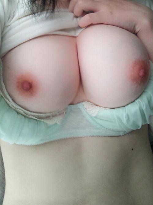 【素人画像】素敵な巨乳おっぱいを自撮りして裏垢うpする女神wwwww(画像あり)