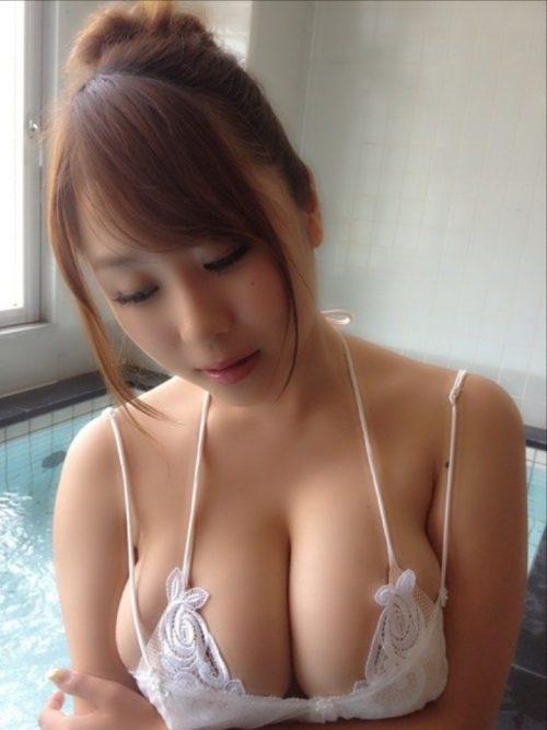 【三次】女の子のエッチな谷間おっぱい画像part3