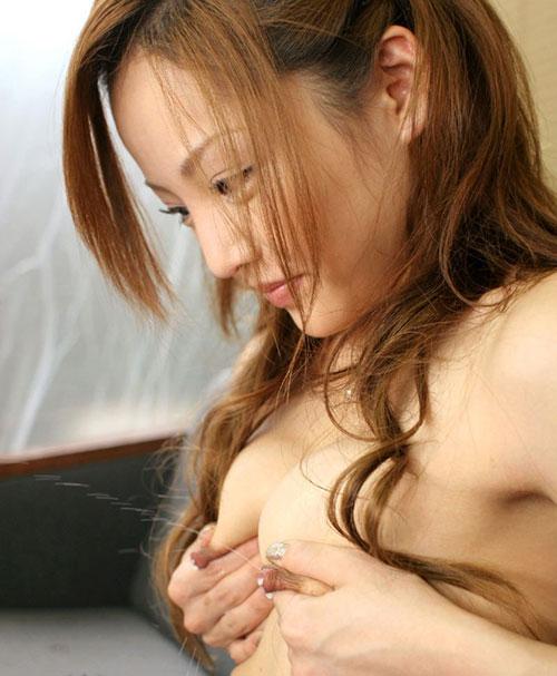 世界母乳の日におっぱいから母乳14