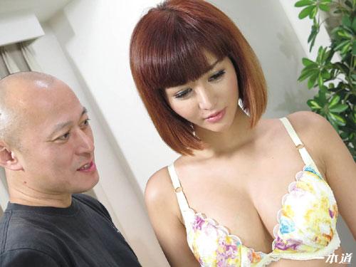 麻生希の長身Gカップ美巨乳おっぱい3