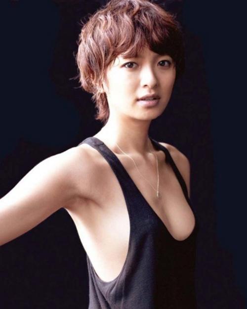 榮倉奈々のおっぱいエロ画像!美しすぎるンゴ・・・