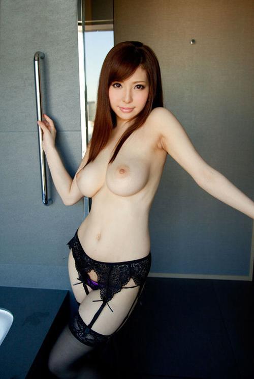 アメリカ日本のハーフ女子が張り巨乳でガンガン責めるGBランジェリー