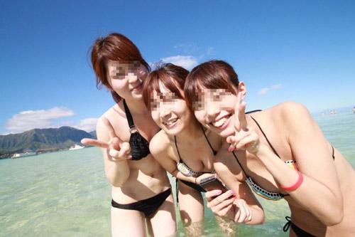 【水着 エロ画像】たぶん残暑でも楽しめる素人さんのビキニ姿www